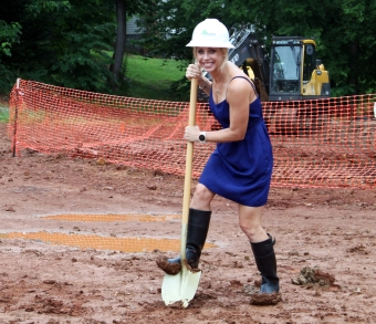 Breaking ground on construction site of Knoxville Center for Oral & Maxillofacial Surgery